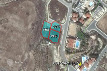 Land for sale in Oroklini. Building Plots
