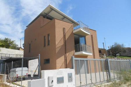 2 bedroom houses for sale in Spoltore. Modern Villa in Spoltore. Italy