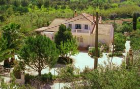 3 bedroom houses for sale in Faro. 3-bedroom Villa with land, ruin, fruit trees, lake and lovely views, São Bartolomeu Messines