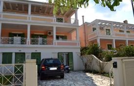 Terraced house – Corfu, Administration of the Peloponnese, Western Greece and the Ionian Islands, Greece for 300,000 €