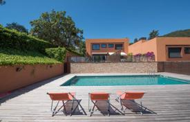 4 bedroom houses for sale in Gerona (city). Contemporary townhouse in Art Nouveau style, with a private garden, in a residence with a swimming pool, near the sea, Begur, Spain