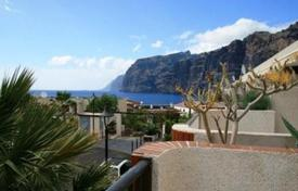 Residential for sale in Puerto de Santiago. Terraced house – Puerto de Santiago, Canary Islands, Spain