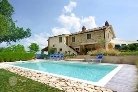 Houses with pools by the sea for sale in Marche. Villa – Marche, Italy