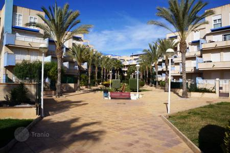 2 bedroom apartments for sale in Southern Europe. Orihuela Costa, Cabo Roig. Apartment 74 m² on the third floor. There are 2 bedrooms and 1 bathroom