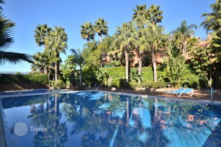 Townhouses to rent in Costa del Sol. Terraced house - Marbella, Andalusia, Spain