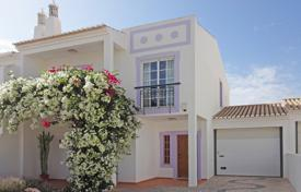 Immaculate 3+ bedroom linked villa close to beach and town, Lagos, West Algarve for 457,000 $