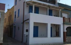 Coastal houses for sale in Sicily. Independent villa, leaned out on the beach of Trefontane Campobello of Mazara TP