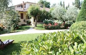 5 bedroom houses for sale in Cetona. Three-storey villa with a pool and a garden in Cetona, Tuscany, Italy
