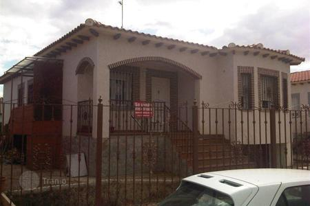 Cheap 4 bedroom houses for sale in Huecas. Villa – Huecas, Castille La Mancha, Spain