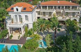 Luxury houses for sale in Cannes. Cannes — Basse Californie — Close to town center