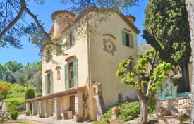 Cheap houses for sale in France. Villa – Grasse, Côte d'Azur (French Riviera), France