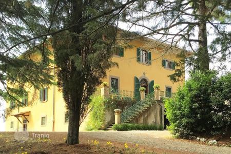 Villas and houses for rent with swimming pools in Pomarance. Villa – Pomarance, Tuscany, Italy