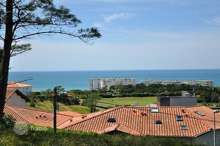 Residential for sale in Biarritz. Attractive villa with breathtaking ocean view in Biarritz, Aquitaine, France