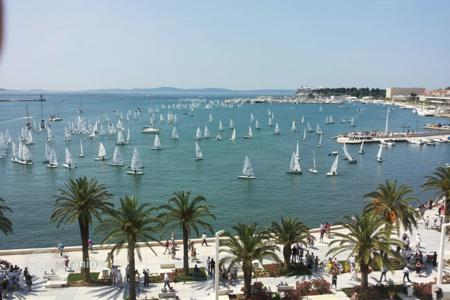 Residential for sale in Split. Apartment in the Split centre on the promenade