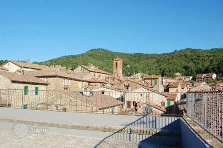 Residential for sale in Paciano. Prestigious palace in the heart of Paciano, Umbria