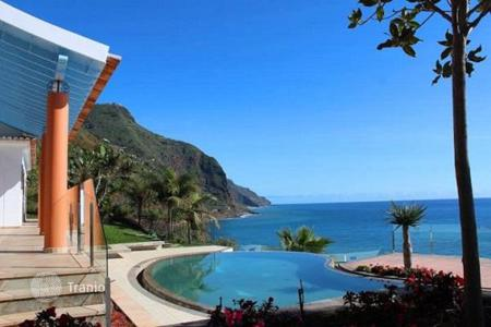 3 bedroom houses for sale in Portugal. Front line Ocean View Villa in Calheta, Madeira