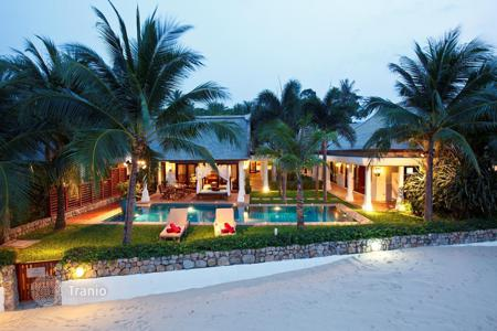 4 bedroom villas and houses to rent in Surat Thani. Villa on the beach in Maenam