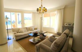 Residential for sale in Majorca (Mallorca). Apartments with a terrace and a fireplace in a residential complex with swimming pool, tennis courts and parking, Cala Vinyes, Spain
