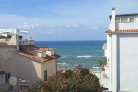 Coastal townhouses for sale in Italy. Terraced house - Anzio, Lazio, Italy