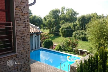 Property for sale in Pest. Almost newly built villa close to Budapest! Quality, swimming pool, sauna, 7 rooms!