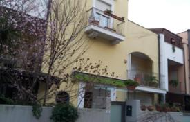 4 bedroom houses for sale in Abruzzo. Property in Monteslivano, Abruzzo. Italy