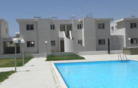 Penthouses for sale in Meneou. A 2 bedroom apartment for sale in Meneou in a complex just 5 minutes away from the seaside and comes with title deeds