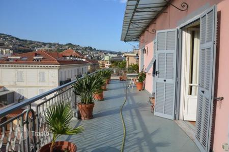 Property for sale in Liguria. Beautiful penthouse in Sanremo, Italy