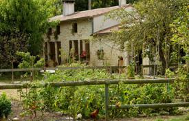 2 bedroom houses for sale in France. Two-storey villa with a garden, pasture and vineyards, near Lesparre-Medoc and the ocean, Gironde, France