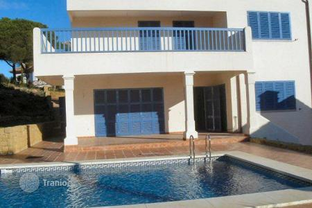 5 bedroom houses for sale in Buron. Comfortable house with great views