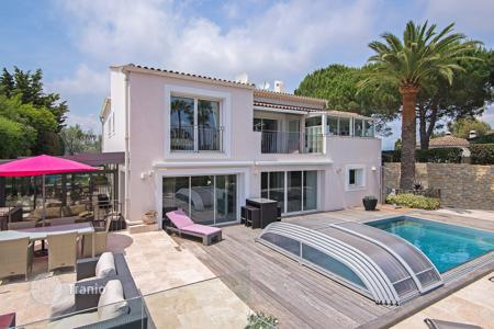 6 bedroom villas and houses to rent in Cannes. Superb villa Cannes