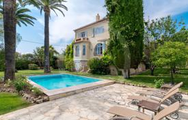 Cap d'Antibes, Close to the beach — House to rent. Price on request