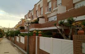Property for sale in Montgat. Terraced house – Montgat, Catalonia, Spain