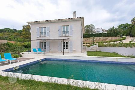 5 bedroom houses for sale in Vallauris. Cannes — Super Cannes — Newly built villa