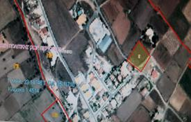Cheap development land for sale in Nicosia (city). 2,342 m² Plot in Meniko