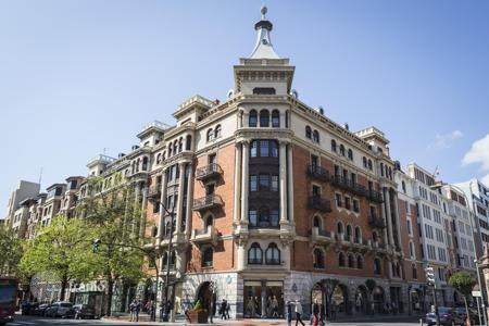 Luxury residential for sale in Bilbao. Designer apartment in a prestigious building on the main avenue of the city of Bilbao