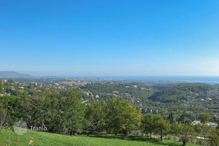 Cheap land for sale in Provence - Alpes - Cote d'Azur. Vence — Plot with wonderful sea view
