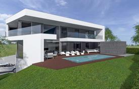 Property for sale in Albufeira. Contemporary 5 Bedroom Villa, Walking Distance to Beach with Sea Views, Albufeira