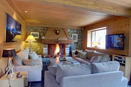Apartments to rent in Meribel. Apartment – Meribel, Auvergne-Rhône-Alpes, France
