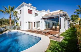 Luxury houses with pools for sale in Spain. Fantastic villa in Las Lomas de Magna Marbella, Golden Mile