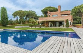 Luxury houses with pools for sale in Sant Andreu de Llavaneres. Villa – Sant Andreu de Llavaneres, Catalonia, Spain
