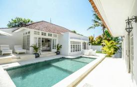 Property for sale in Bali. New furnished villa with a private plot, a swimming pool and a garden, Canggu, Bali