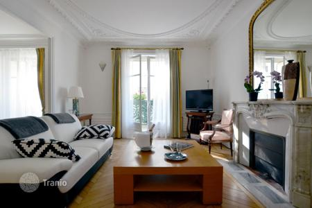 Property to rent in Ile-de-France. Apartment – Paris, Ile-de-France, France