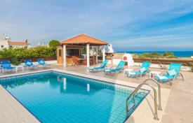 Villas and houses for rent with swimming pools in Famagusta. This grand designed villa with private pool is located close to the sea (less than 5 min walk) on a quiet, peaceful area and offer