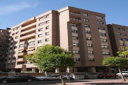 Foreclosed 4 bedroom apartments for sale in Valladolid. Apartment – Valladolid, Castille and Leon, Spain