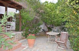 Coastal houses for sale in Voula. Detached house – Voula, Attica, Greece