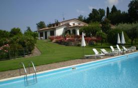 Houses for sale in Salò. Luxury villa with swimming pool and park for sale at Salò, on Lake Garda, built on two levels, of 600 sq