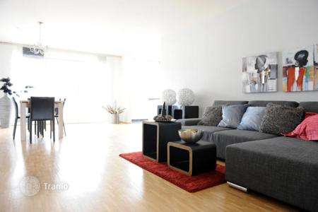 3 bedroom apartments for sale in Bonn. Three-bedroom apartments with a balcony in Bonn
