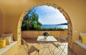 6 bedroom villas and houses to rent overseas. Villa – Cap d'Antibes, Antibes, Côte d'Azur (French Riviera), France