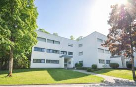 Property for sale in Planegg. Three-room apartment with a spacious loggia, Starnberg, Germany
