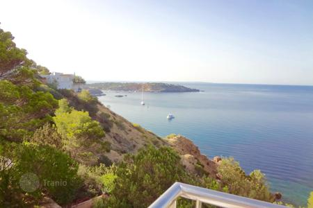 Townhouses to rent in Europe. Terraced house – Sant Josep de sa Talaia, Ibiza, Balearic Islands,  Spain
